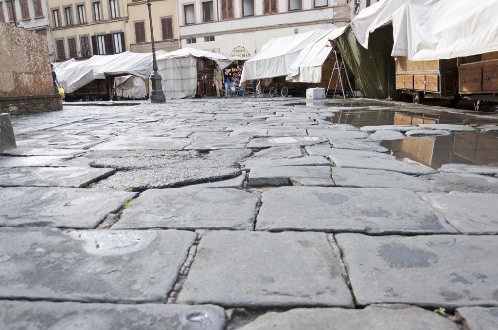 Мощеная улица во Флоренции