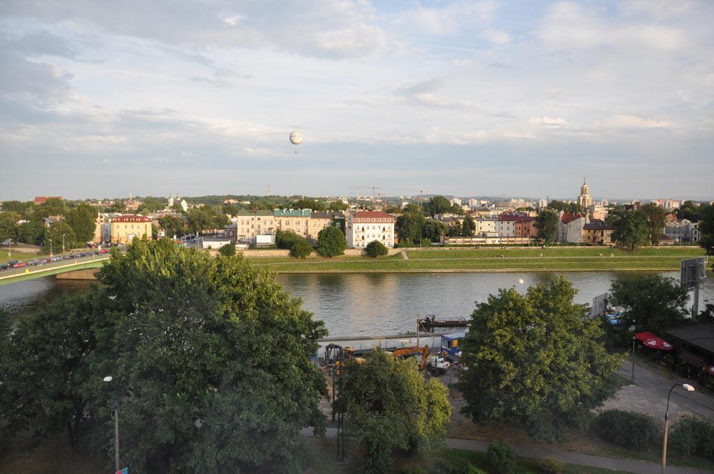 Вид на Вислу из отеля Новотель-центр в Кракове