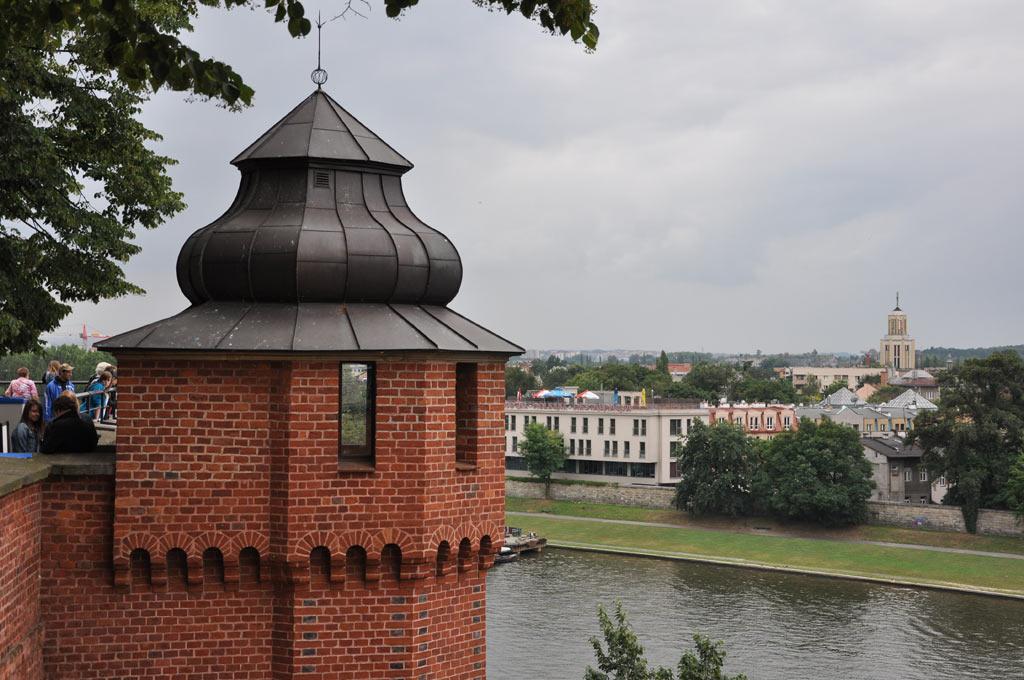 Вид на Вислу из Вавельского Королевского замка в Кракове