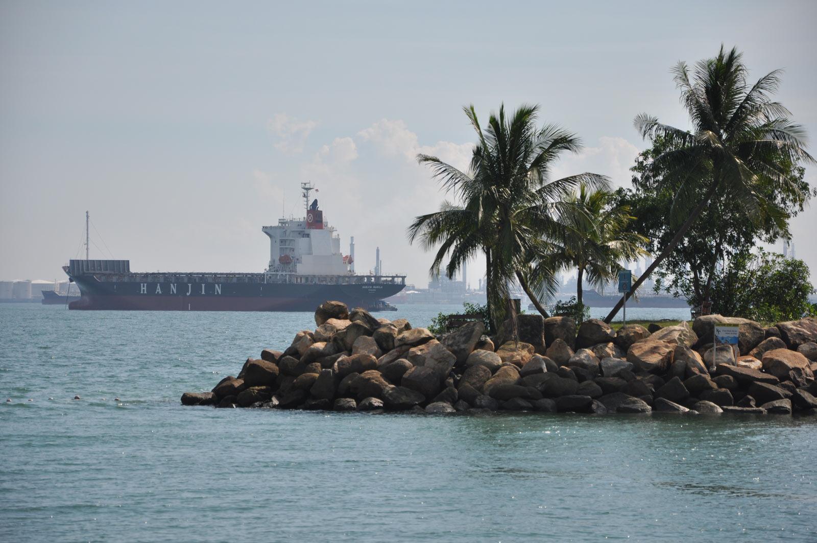 Корабли у берегов Сингапура