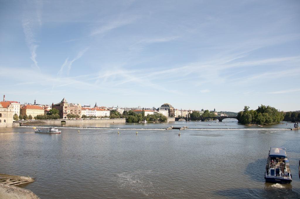 Вид на Влтаву с Карлового моста