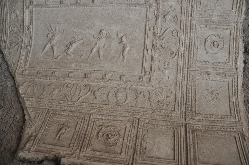 Обломки фресок