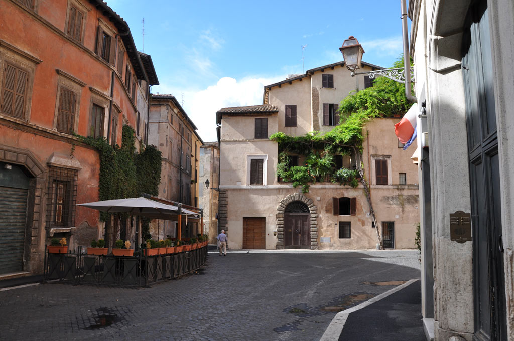 Тихая улочка в самом центре Рима