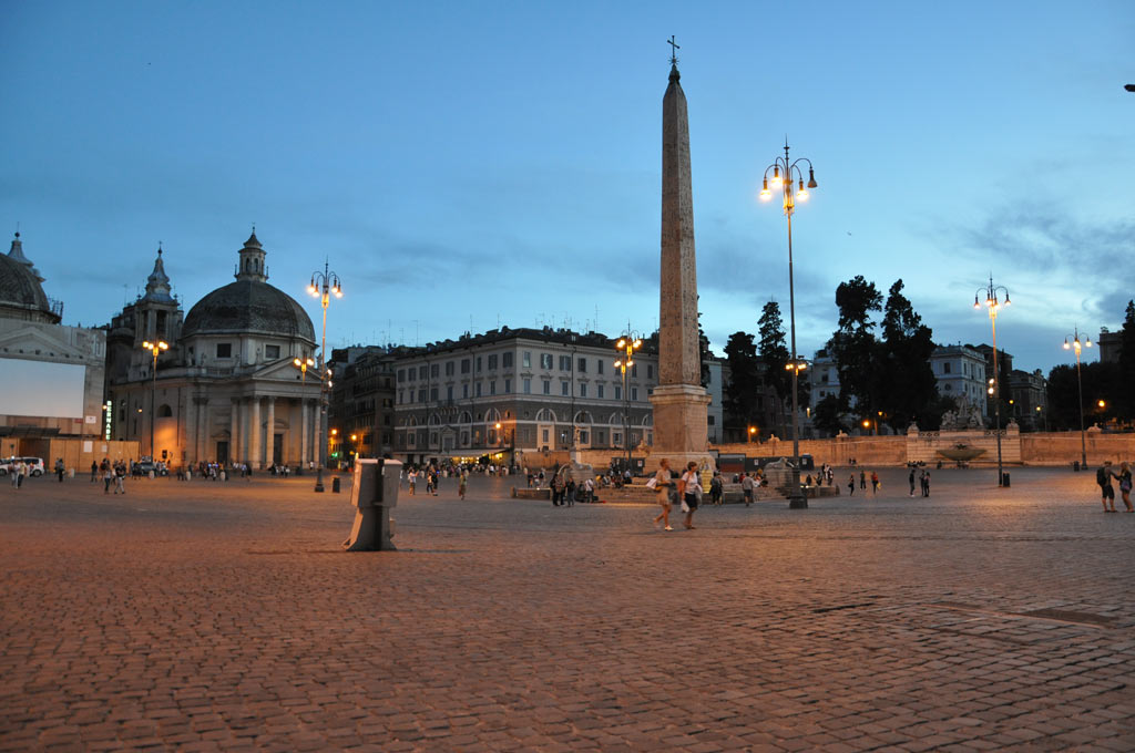 Piazza del Poppolo в Риме