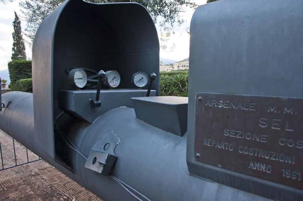 Управляемая торпеда времен второй мировой войны в Таормине