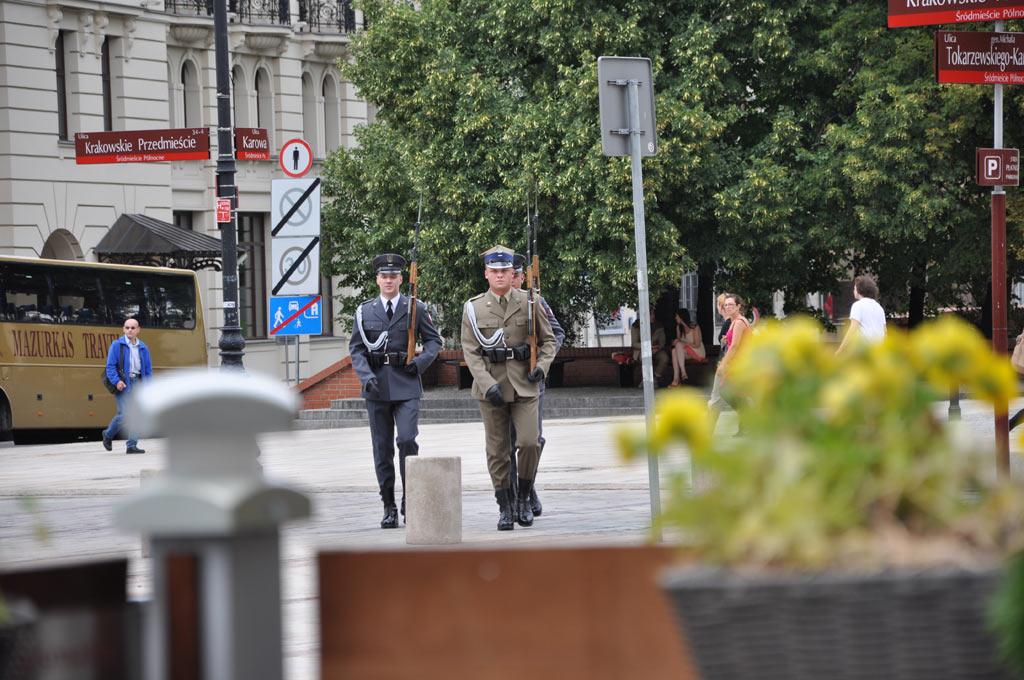 Почетный караул в Варшаве