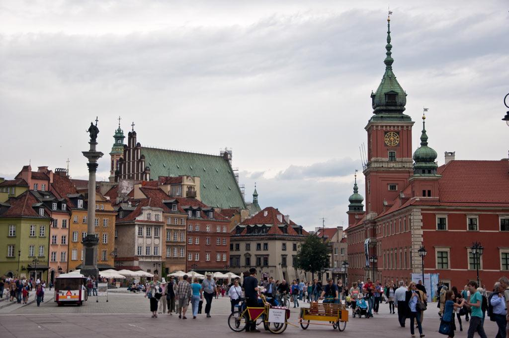 Варшавский королевский дворец и площадь перед ним с колонной царю Сигизмунду