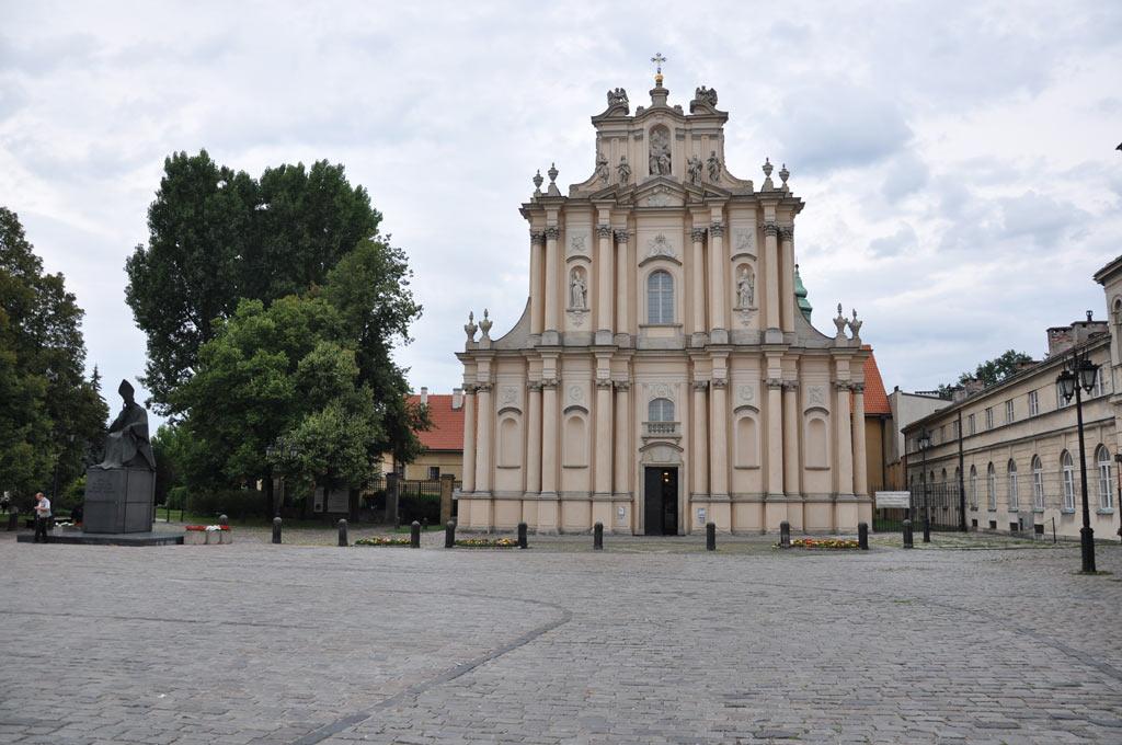 Старинное здание в Варшаве