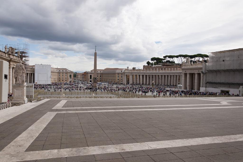 Вид на площадь Святого Петра от Собора Святого Петра