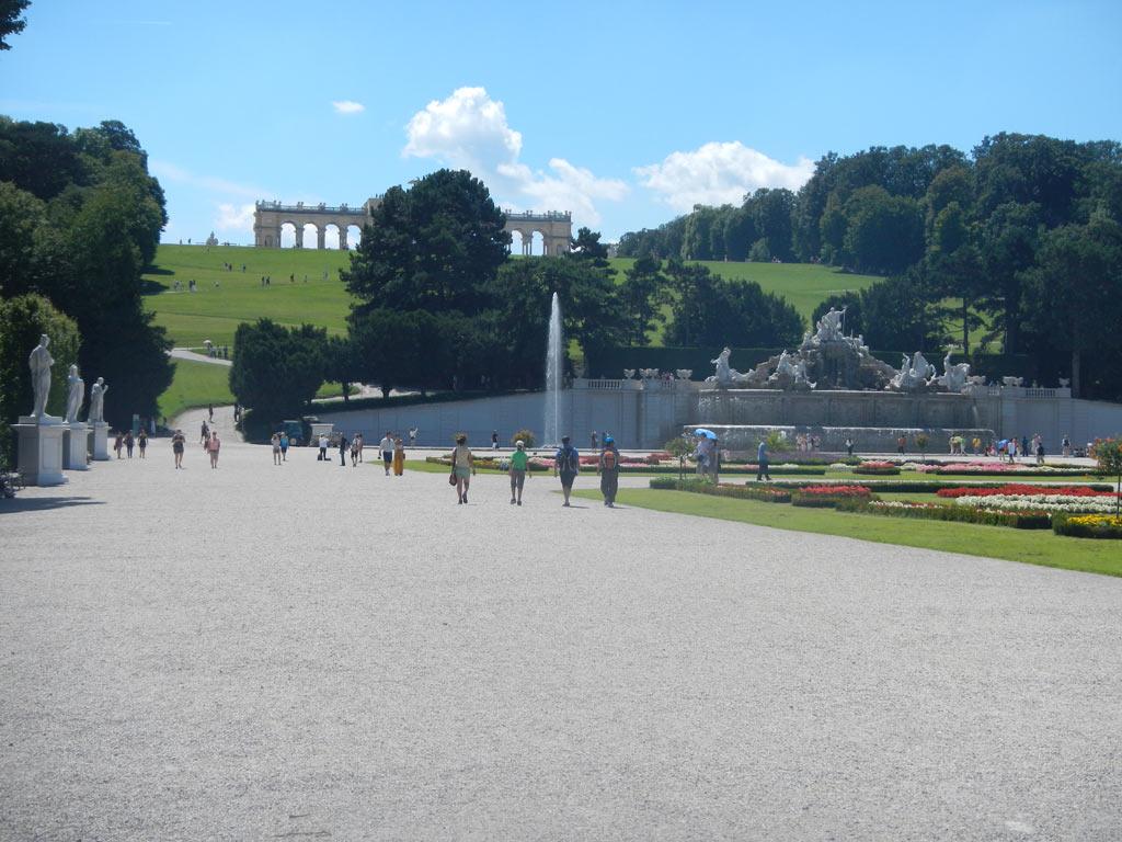 На территории Шонбруннского дворца