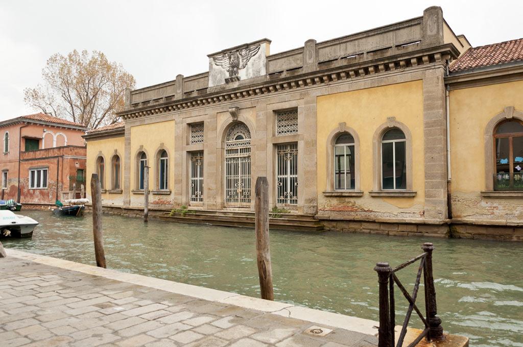 Фасад здания в Венеции