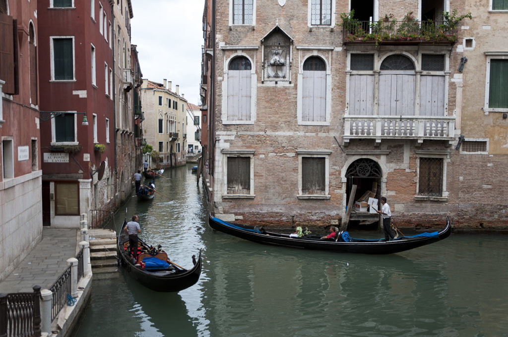 Гондольеры в Венеции