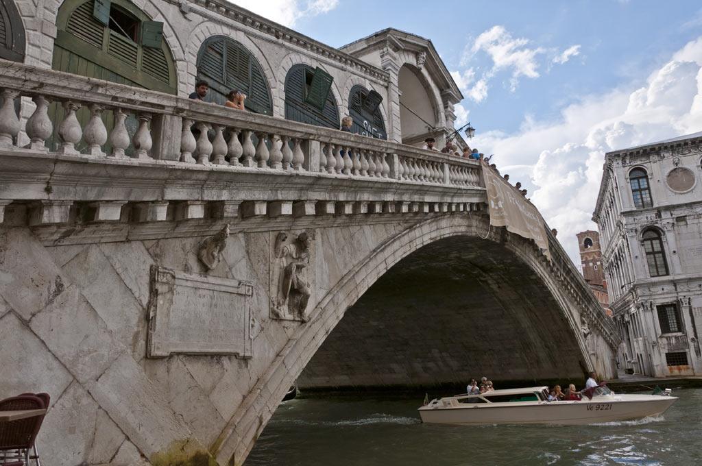 Мост Риалто в Венеции