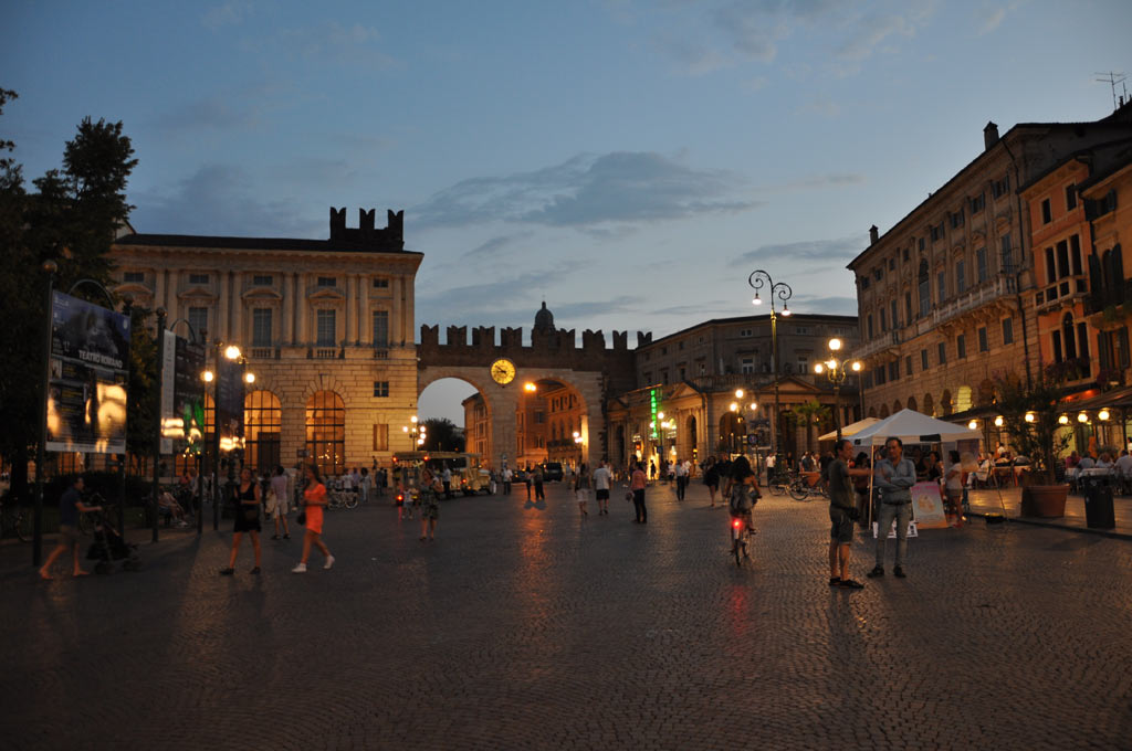 Площадь Бра в Вероне