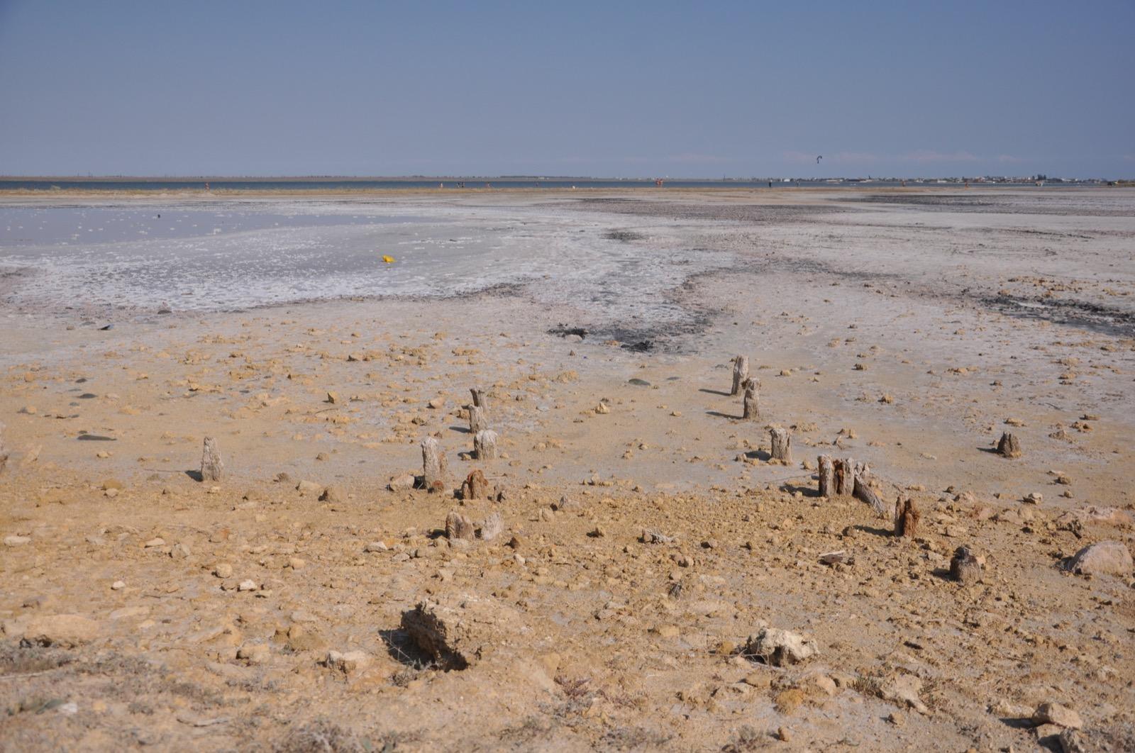 Пересохшее соляное озеро рядом с Казантипом