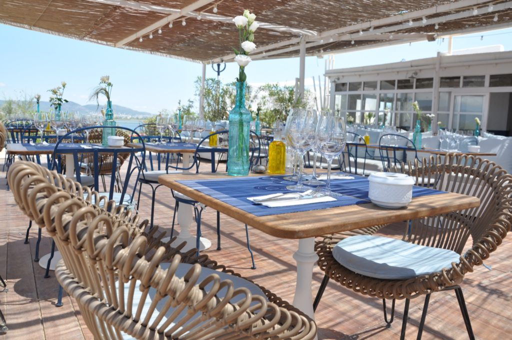 Уединенный ресторан на пляже Ибицы